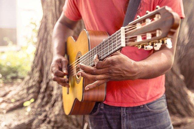 03 conseils incontournables pour progresser efficacement à la guitare