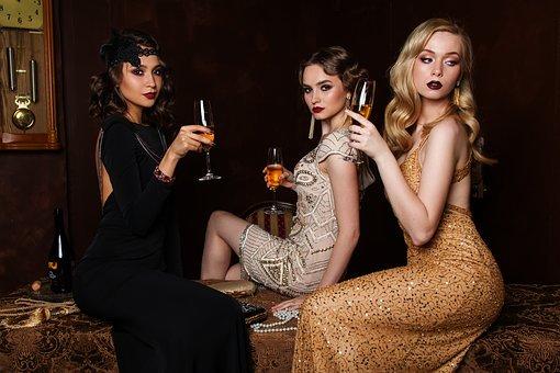 Comment s'habiller pour une soirée entre amis?